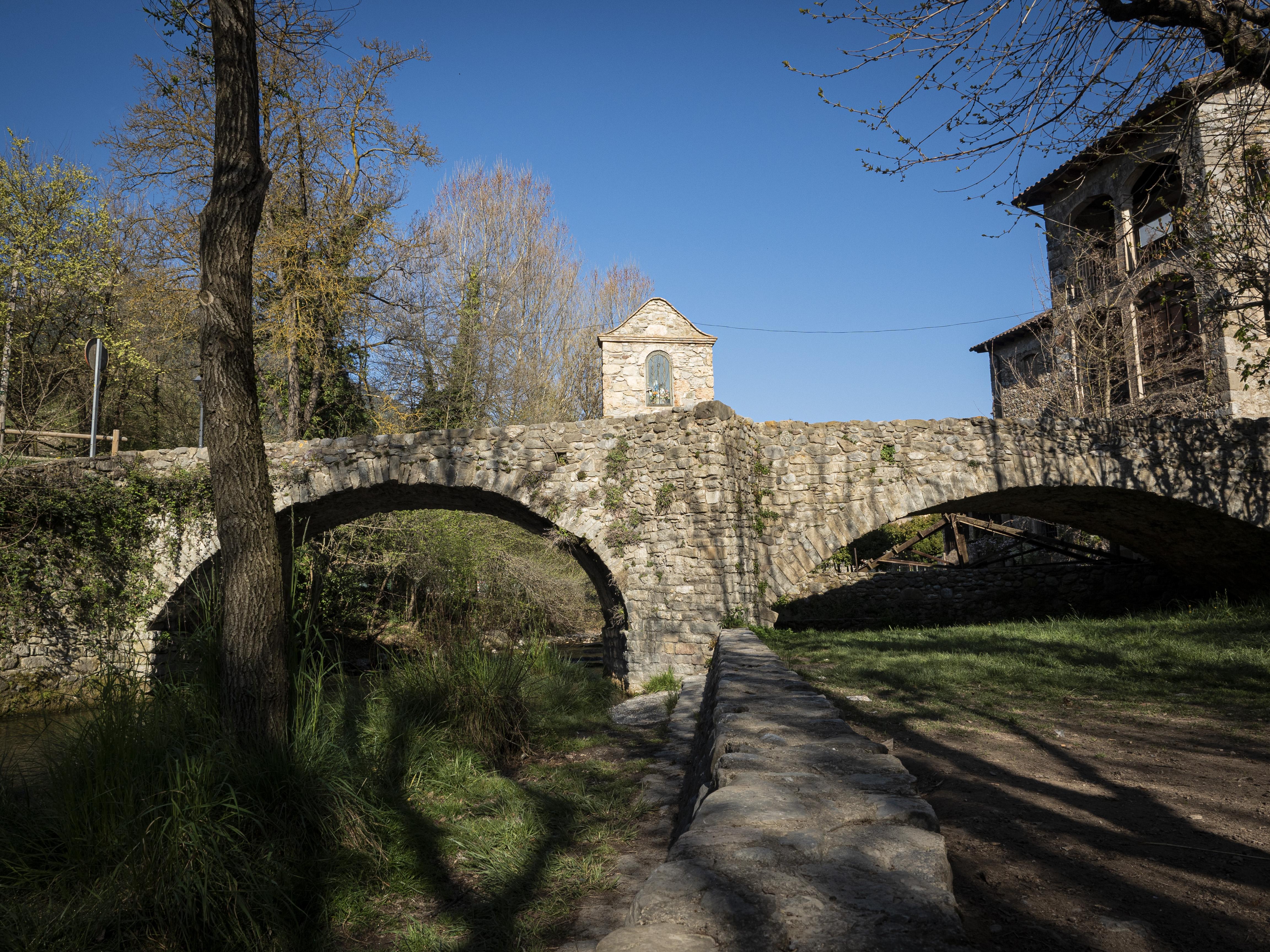 El Pont de la Vila, d'origen romànic. FOTO: Anna E. Puig