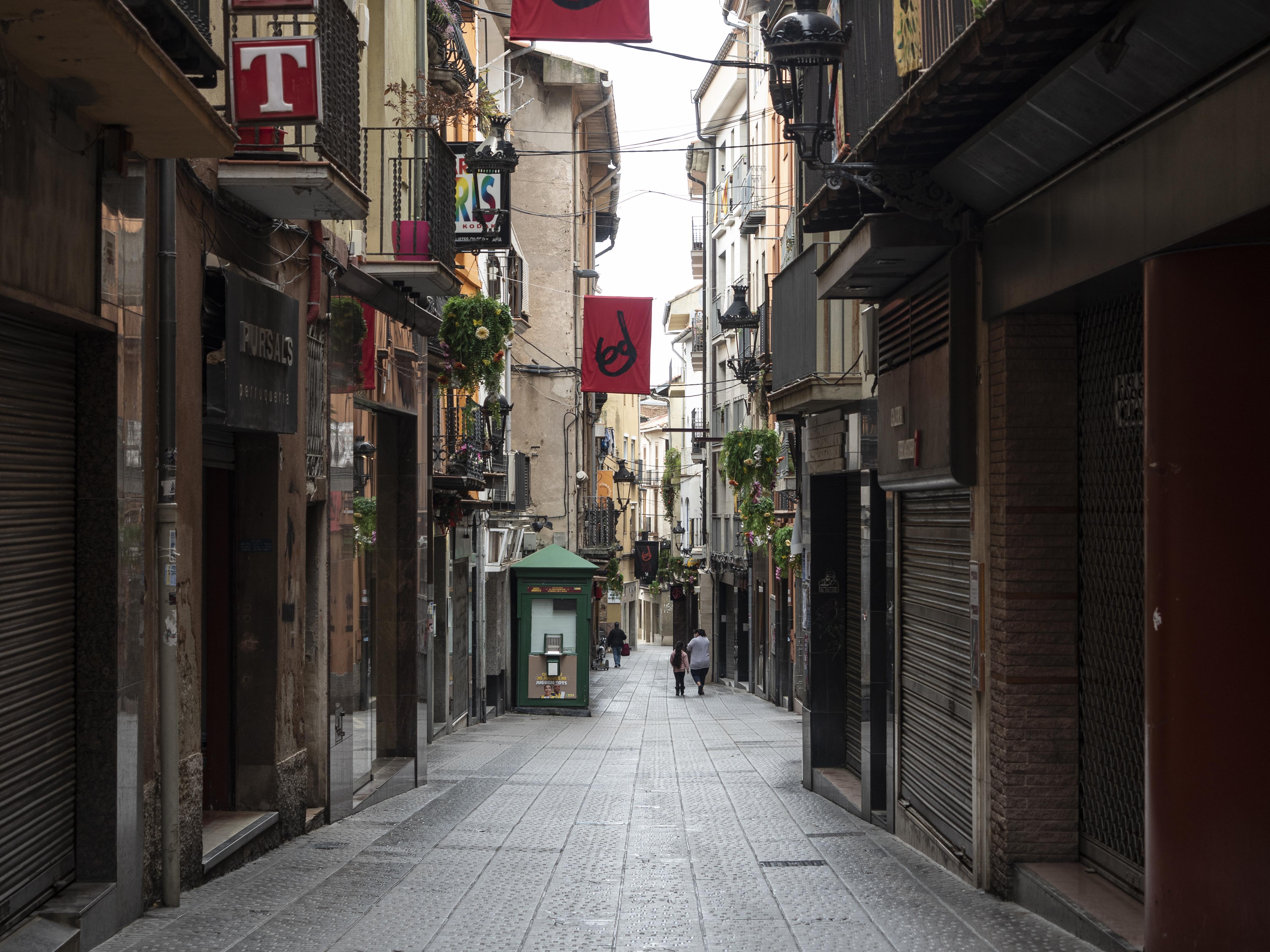 Ella s'ho pensa, carrer Major de Berga. FOTO: Anna E. Puig
