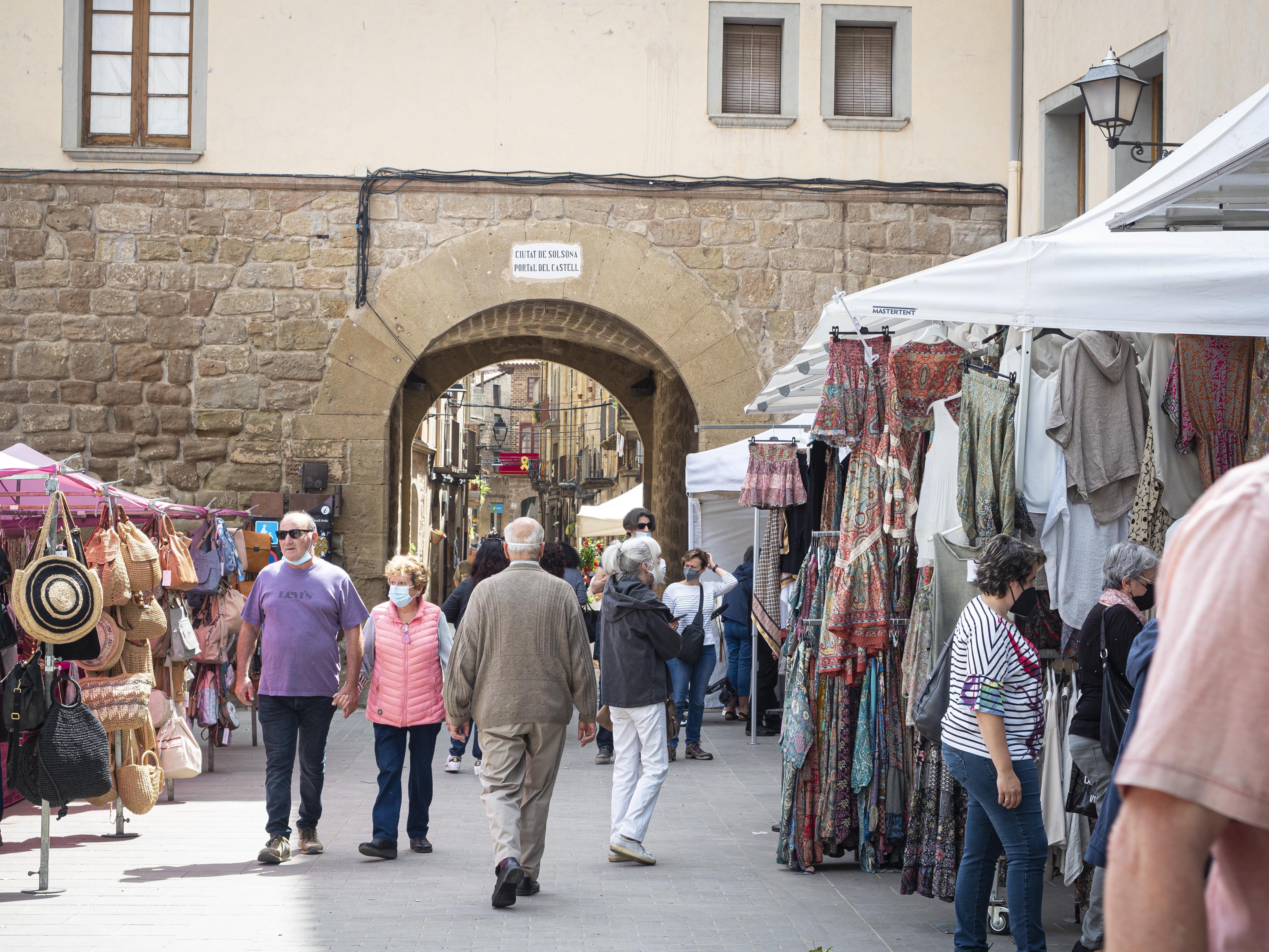 El Portal del Castell, un dels tres portals que es conserven de la ciutat emmurallada. FOTO: Anna E. Puig