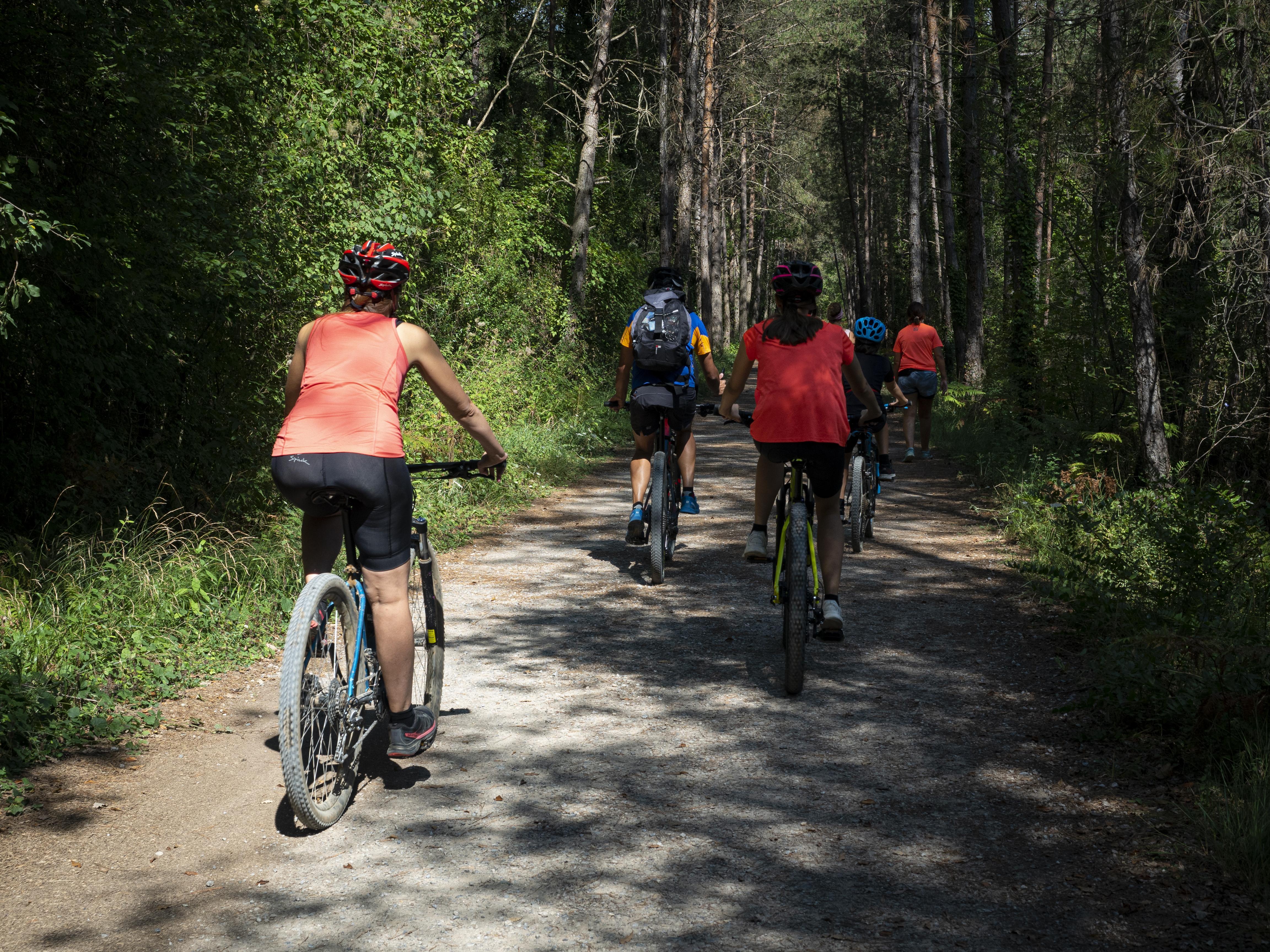 Ciclisme a la Via Verda de Cal Rosal a Pedret. FOTO: Anna E. Puig
