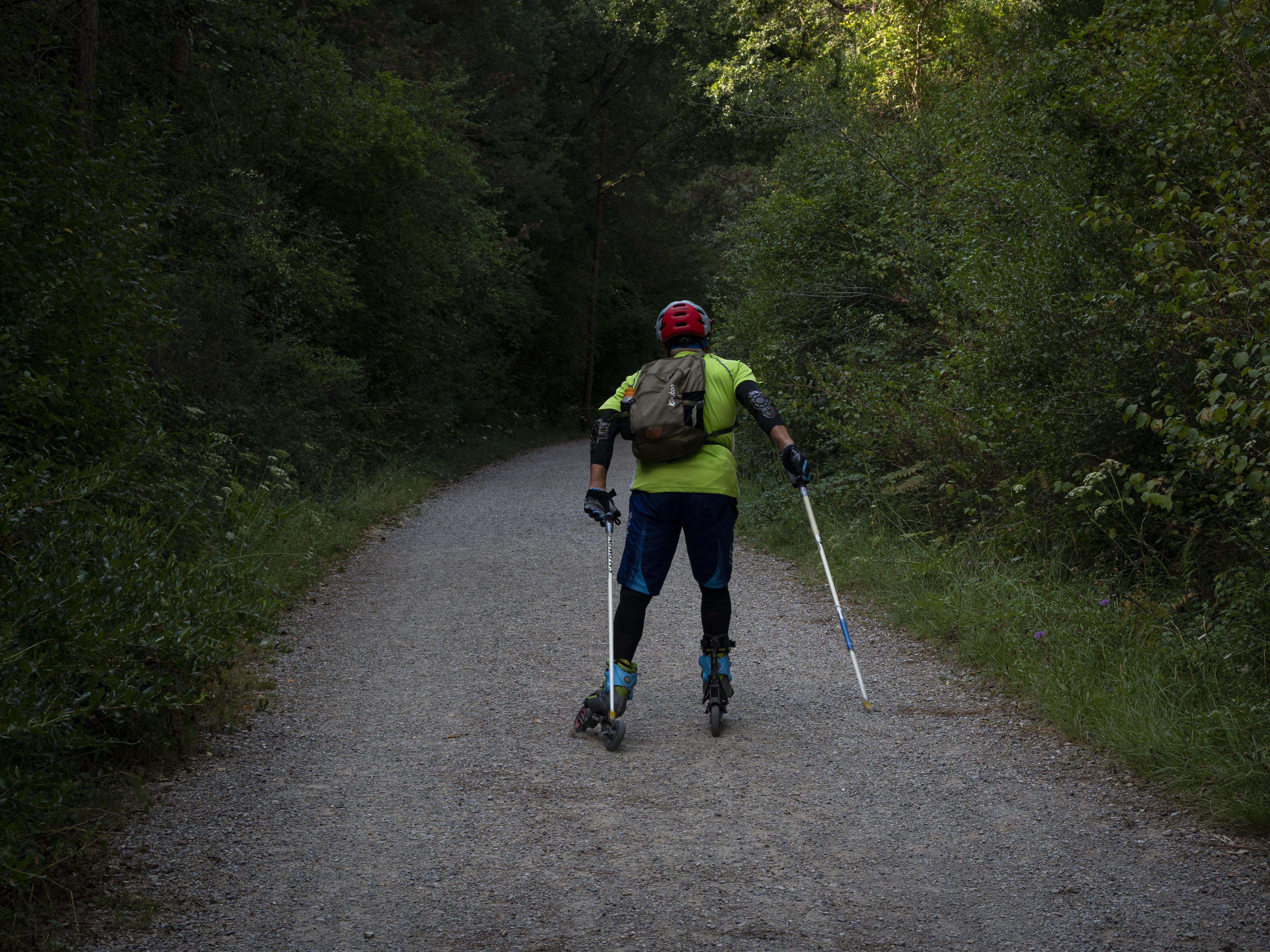 Es poden practicar diferents disciplines esportives a la Via Verda de Cal Rosal a PedretVia Verda de Cal Rosal a Pedret. FOTO: Anna E. Puig