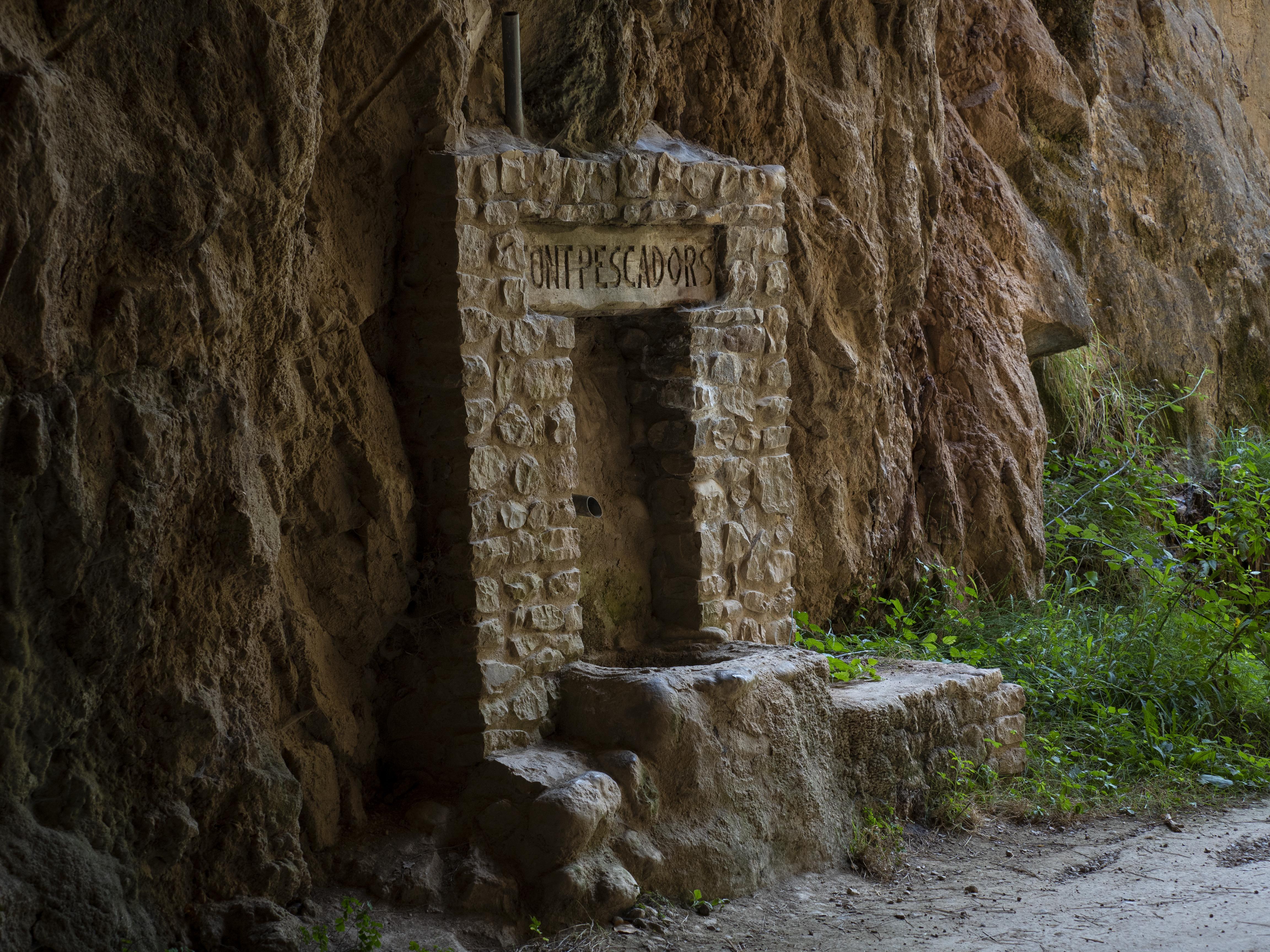 Una de les fonts al recorregut de la Via Verda de Cal Rosal a Pedret. FOTO: Anna E. Puig
